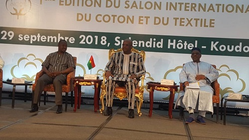 Salon international du coton et du textile (SICOT) : Roch Kaboré  réitère son engagement à implanter une usine textile à Koudougou